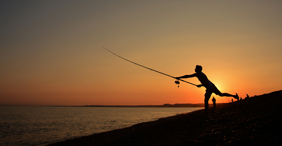Fishing on the outer flank of Chesil Beach (© Charlie Wheeler Photography)